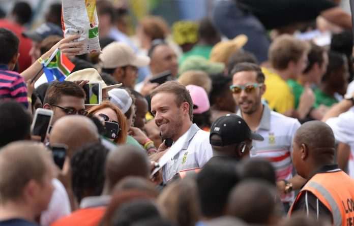 De Villiers remains the Indian audience's darling and continues to stun fans by cheerfully posing for selfies.