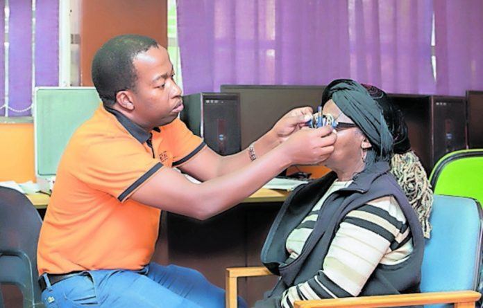 The Life Healthcare Cataract Outreach programme brings critical eyecare services to patients in peri-urban and rural areas