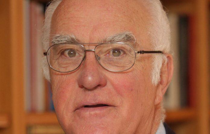 Retired judge Ian Farlam.