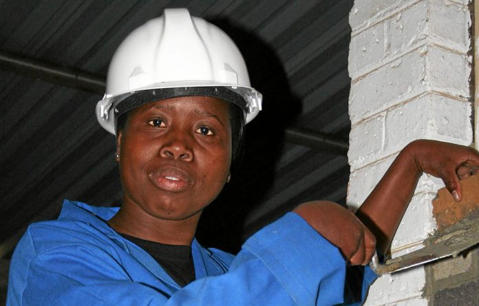 Elsie Masandiwa holds an N6 in Civil Engineering and is passionate about bricklaying.