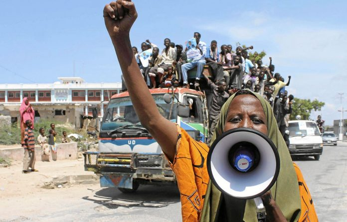 Somali citizens do not have the right to vote in the transitional government's selection of a new president.