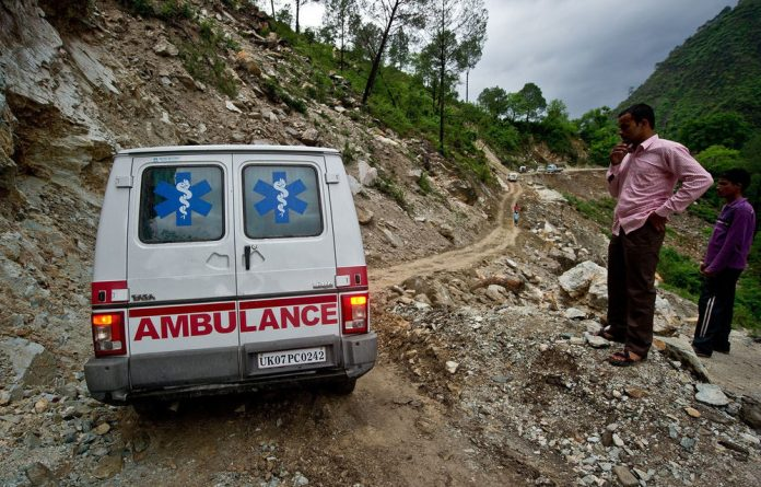Up to 1 000 people are feared dead and more than 8 000 mainly pilgrims and tourists are still awaiting rescue nine days after flash floods and landslides hit.