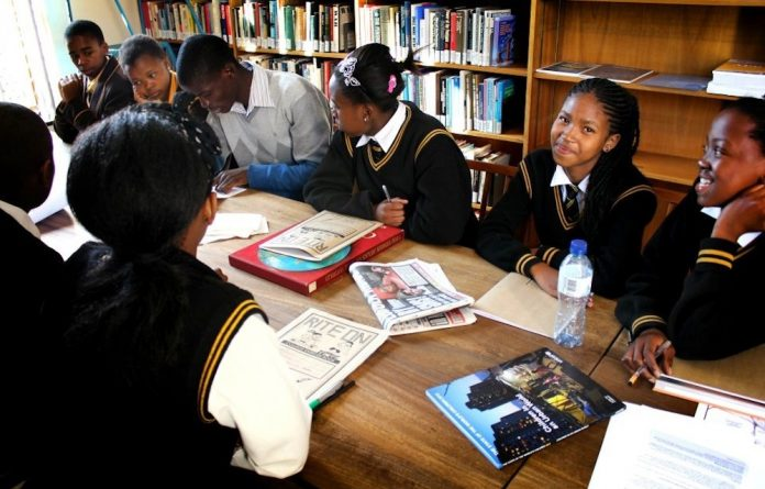 Tutoring in the SAIIA library.
