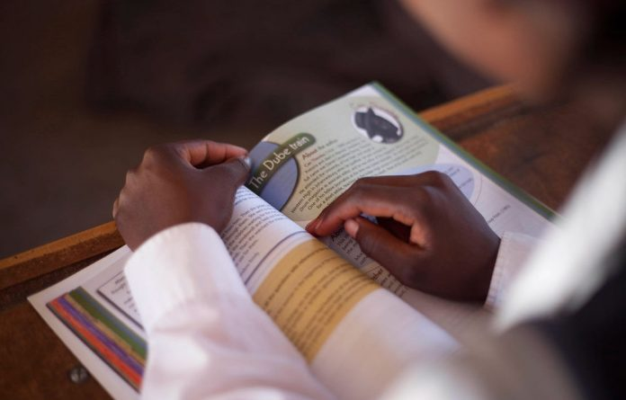 Experts say the department has for years failed to monitor schoolbook deliveries.