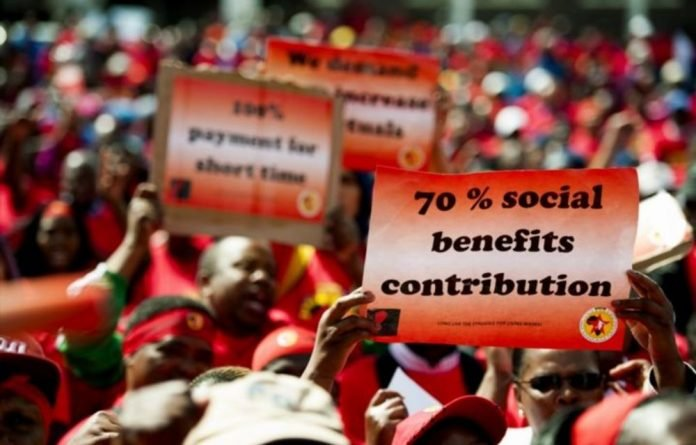 Cosatu is calling for a speedy resolution to bring an end to the strike by petrol attendants
