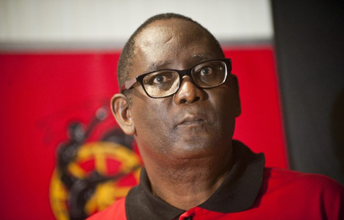 Zwelinzima Vavi addressed journalists on Sunday and said he wants to mobilise workers on the ground
