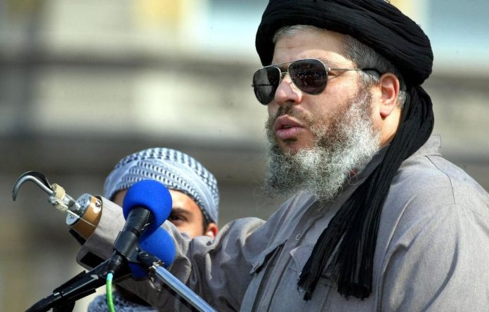 Radical muslim clerk Sheikh Abu Hamza will be handed over to the United States on terrorism charges.