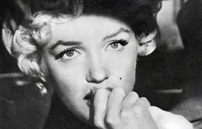 Marilyn Monroe aficionados are flocking to Warsaw to see pictures of the bombshell and other stars snapped by celebrity photographer Milton Greene.