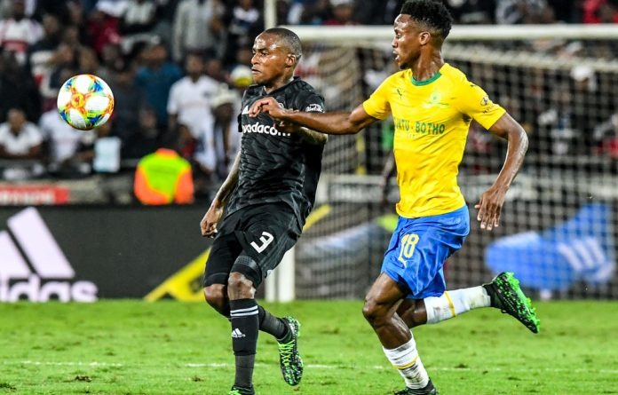 Orlando Pirates missed the opportunity to leapfrog Mamelodi Sundowns into first place on the log after the two played out an entertaining stalemate on Monday evening.