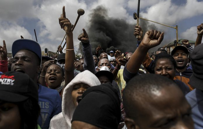 Shutdown: In protests since April 3 activists