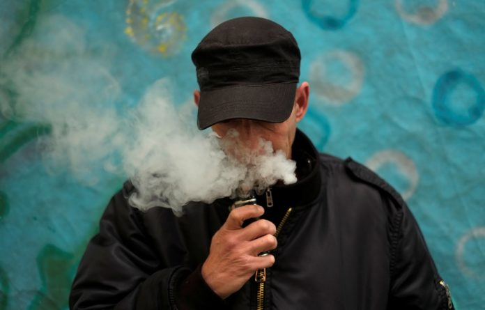 Lung health experts are concerned about the long term affects of vaping. Should you be too?