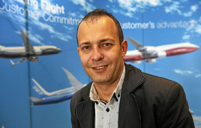 Three different sources have confirmed Nico Bezuidenhout has been in negotiations with SAA for a couple of weeks after he was offered the position at the end of April.