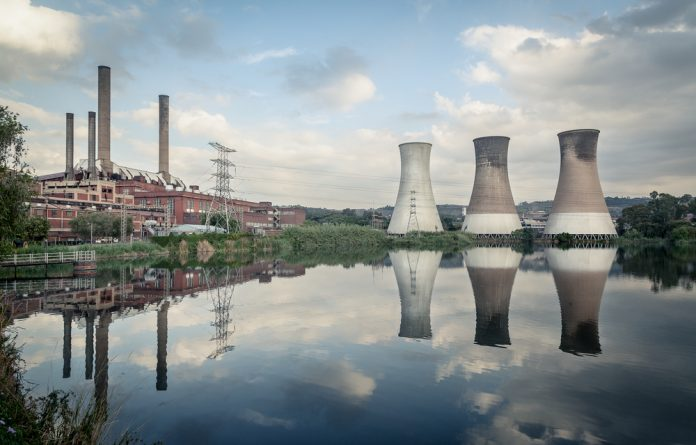 A new study by Greenpeace recommends that oldest power stations be decommissioned within five years and that others
