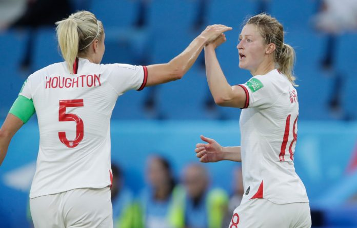 England are looking to reach the final of the Fifa Women's World Cup in France.