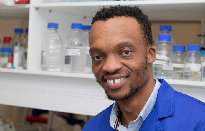 Dr Hlumani Ndlovu
