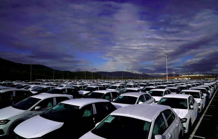 Services are recommended every 15 000 km for VW and Toyota.