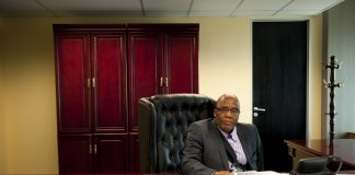 Xeno-denial: Home Affairs Minister Aaron Motsoaledi wants to review refugee regulations.