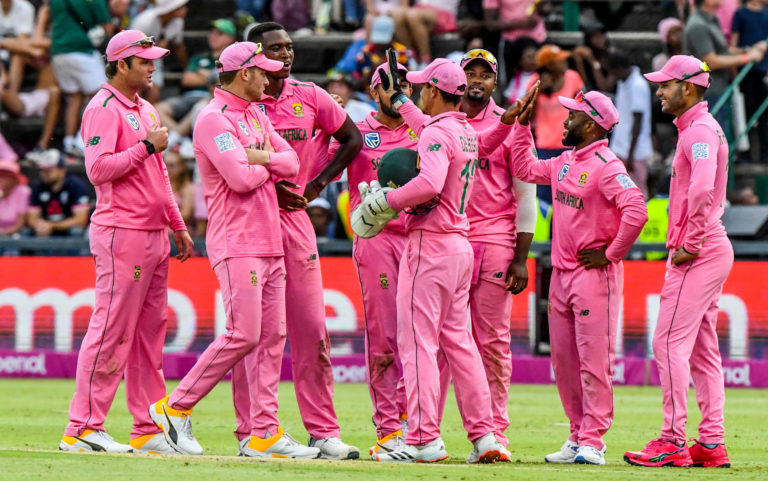 Past Proteas run the rule over new-look team