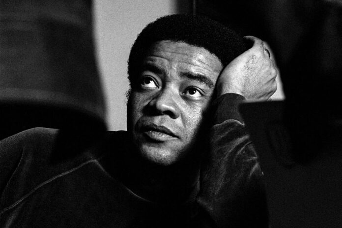 Singer and songwriter Bill Withers poses for the cover of his album 'The Essential Bill Withers', in Beverly Hills, California. (Ed Caraeff/Getty Images)