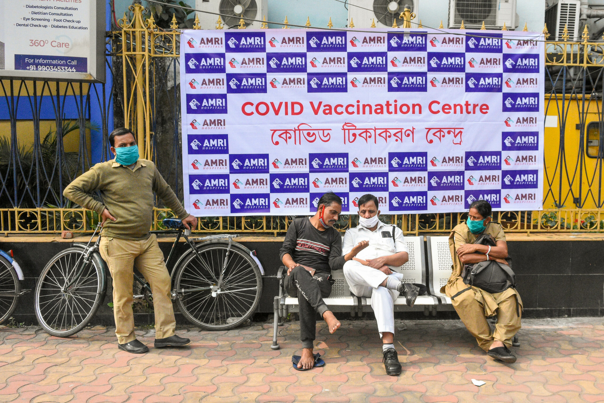 Tens of hundreds skip India's Covid vaccination drive – The Mail & Guardian